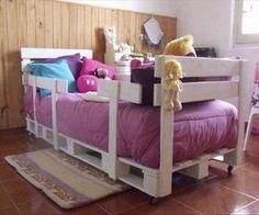 DIY Pallets Children's Bedding With Side Rails via http://diypallets.com