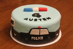 a police car cake - by Cake Occasion