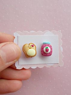 Food earrings created from polymer clay without molds or forms, with toast and jam. The lenght of each earring is 1.2 cm. ❀ Because i make everything by hand, the item you receive may differ slightly than shown on the pictures. ❀ Price is for one pair of earrings. ❀ I ship the orders with