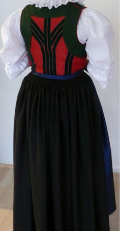 Trachten - Trachtenschneiderin.at  Lienzer Tracht Folk Costume, Costumes, Long Bob Hairstyles, Traditional Dresses, High Waisted Skirt, Tulle, Hair Styles, Skirts, Folklore