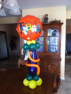 Air filled gift bouquet only $29.95 Main balloon can be altered for any special event. Balloon Birthday, Balloon Gift, Birthday Delivery, Gift Bouquet, Decorating Ideas, Decor Ideas, Helium Balloons, Sin City, Balloon Decorations