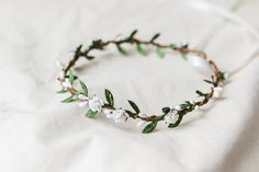 Hey, I found this really awesome Etsy listing at https://www.etsy.com/au/listing/479593359/white-green-rose-flower-hair-wreath