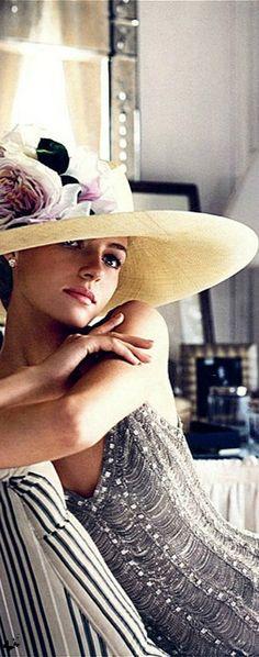 Love this Ralph Lauren dress, but the hat is even prettier.  Via @boutiqswisschic. #RalphLauren #dress