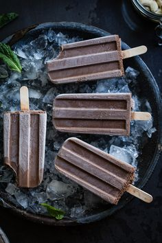 Creamy Chocolate Mint Popsicles {vegan}