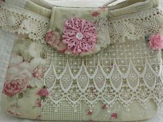 Country Roses  Patchwork PURSE   Lace and by thejoanandlucyshow ♡♡
