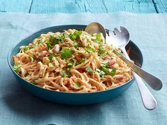 Cold Peanut-Sesame Noodles : Chinese egg noodles get treated to a creamy peanut sauce that includes a surprising ingredient: strong-brewed green tea.