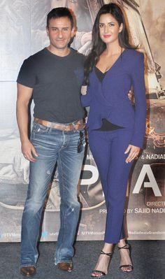 Saif Ali Khan and Katrina Kaif at the trailer launch of 'Phantom'. Katrina Kaif Images, Katrina Kaif Hot Pics, Katrina Kaif Photo, Most Beautiful Bollywood Actress, Indian Bollywood Actress, Bollywood Girls, Bollywood Stars, Indian Celebrities, Bollywood Celebrities