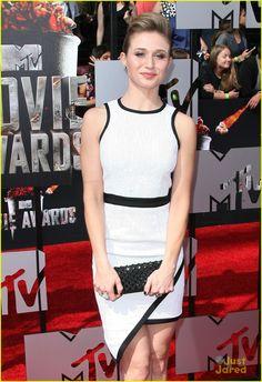 Faking It's Bailey Buntain, Rita Volk & Katie Stevens - MTV Movie Awards 2014 | Rita Volk MTV Movie Awards 08 - Photo Gallery | Just Jared Jr.
