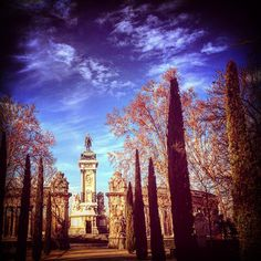 Monumento a Alfonso XXII en el parque del retiro #madrid #madcielo #madridcentro #madridmemola #parquedelretiro #photographer #photo #foto #fotografia #urban #city #cielo #cloud #colder #march #marzo #park #parque #jloui75 #turismo #tourism #monument by jloui75