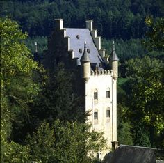 The Schoenfels Castle, also located in the valley of the 7 castles. It is owned by the state since 1971.