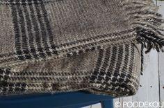 Ľanová deka s károvaným vzorom sivá.