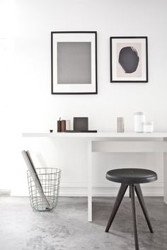 Uber minimal home office in white, grey and black. - Home Decor Inspiration Design, Workspace Inspiration, Interior Inspiration, Design Ideas, Home Office Design, Office Decor, House Design, Office Designs, Office Inspo