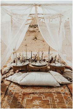 An elopement dinner set in the Sahara Desert. Filled with earthy tones and bohemian vibes Elope Wedding, Boho Wedding, Dream Wedding, Paris Wedding, Boho Bride, Picnic Set, Beach Picnic, Beach Wedding Inspiration, Wedding Ideas
