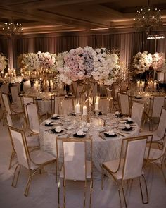 From the prettiest real weddings to the tips and tricks you need to plan your specia wedding day, just consider us your wedding planning ! Quince Decorations, Quinceanera Decorations, Wedding Venue Decorations, Wedding Themes, Wedding Centerpieces, Wedding Designs, Wedding Table, Photo Centerpieces, Branch Centerpieces