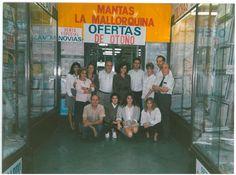Equip de vendes de la botiga de Plaça Universitat als anys 80.