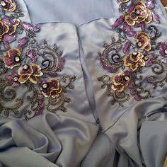#perlagemaria#kaftan#caftan#luxury#mode#lux#handmade#perlage#tanbat#takchita#marroccandress#عباية#قفطان_مغربي_تكشيطه_مغربيه_جلابيات#تكشيطة#تنبات#عقيق#أحجار#موزونة#rabat#casa#maroc