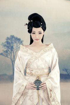 Ханьфу (hanfu) - традиционная китайская одежда.