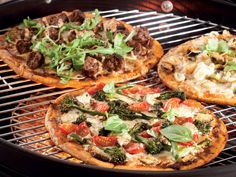 One gets that perfect smoky wood-fired pizza oven taste with this clever way of…