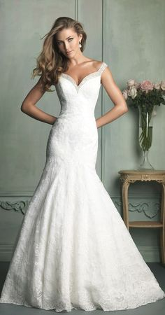 Pretty white gown!