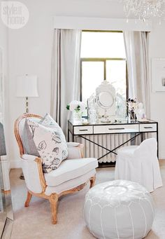 Great Image of French Apartment Decor Small Spaces . French Apartment Decor Small Spaces This Is How You Do Parisian Style In A Small Space Parisian Apartment Bedroom Decor, Parisian Apartment, French Apartment, Parisian Decor, Parisian Style, Table Design, Design Design, Design Furniture, Deco Furniture
