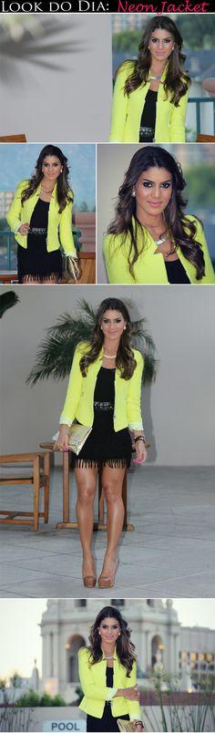"""Hoje vim mostrar pra vocês o look que usei na festa da Sigma Beauty in Los Angeles """"Pop Champagne Party"""" uma noite especial para as """"Gurus"""" e bloggers (foi tudooo de bom)! Optei por um vestido preto com franjinhas (adoro) e joguei por cima uma jaqueta amarela neon, que foi o destaque da produção =)..."""