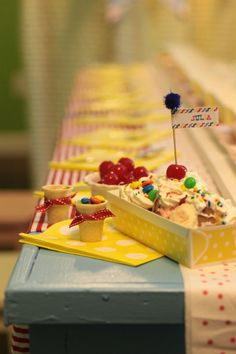 The Party Wagon - Blog - BANANA SPLIT PARTY
