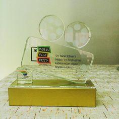 #mobil#film#festivali#ödül#tören#plaket#plaketinadresi#kupa#görsel#tasarımınadresi#farklitasarimlar#özgürkristal#özeltasarım#kristal