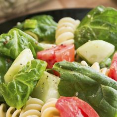 A Fresh recipe for spinach and rotini pasta salad. This is a great side dish or a light meal all on its own.. Spinach And Rotini Pasta Salad Recipe from Grandmothers Kitchen.