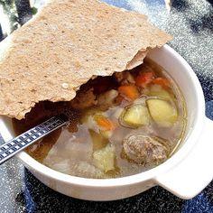 Guttas Kjøkken: Kjøttsuppe med kjøttboller