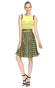 Versace Ready-to-Wear Runway Fashion at Moda Operandi - via @kennymilano Chic!