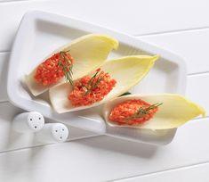 Des veggiekouskis en feuilles d'endives. Une fois que vous aurez testé nos idées de veggiekouskis, des zakouskis concoctés uniquement à base de légumes, vous ne pourrez plus vous en passer!