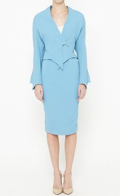 Vaunte is your Fashion, Beauty, Health & Fitness website. Turquoise Suit, Choice Fashion, High Fashion, Women's Fashion, Thierry Mugler, Alaia, Kenzo, Montana, Vintage Ladies