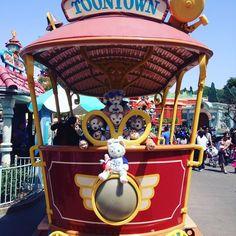 Welcome to Toon Town! #ToonTown #Trolley #Duffy #ShellieMay #Gelatoni #TippyBlue#Duff #Shells #Disneyland #DiamondCelebration #DisneyParks #Mickey #Disney #ダッフィー #DuffyTheDisneyBear #ShellieMayTheDisneyBear by duffythemerman