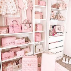 Photo shared by Saki ♡ Pink Style Guide 💖 on April 2020 tagging Cute Bedroom Ideas, Cute Room Decor, Girl Bedroom Designs, Room Ideas Bedroom, Bedroom Decor, Pink Bedroom For Girls, Pink Bedrooms, Pink Room, My New Room