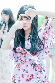 Kpop Girl Groups, Korean Girl Groups, Kpop Girls, Sexy Asian Girls, Beautiful Asian Girls, Jung Eun Bi, Jung Chaeyeon, Korean K Pop, G Friend