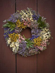 Davia: Wildflower Wreath