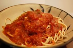 Healthy (Crockpot) Chicken Cacciatore   Sooo good!  (recipe from Skinnytaste)
