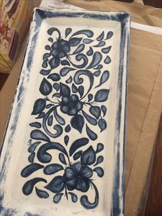 Wall tiles can either make or break a room and choosing the perfect design for your room is of the utmost importance. Ceramic Birds, Ceramic Clay, Ceramic Painting, Ceramic Plates, Pottery Painting Designs, Pottery Designs, Paint Designs, Pottery Plates, Ceramic Pottery