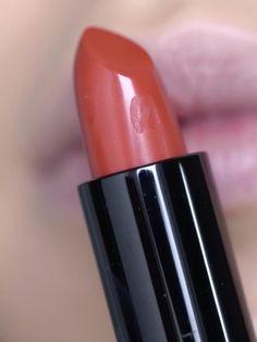 Veganer und cruelty free Lippenstift in Love Train Mac Eyeshadow Dupes, White Eyeshadow, Eyeshadow Base, Glitter Eyeshadow, Mauve Lipstick, Best Red Lipstick, Mauve Makeup, Lip Makeup, Lipsence Lip Colors