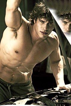 shirtless-guys-4
