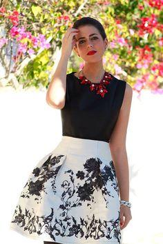 Vestido corto falda estampada Cocoa