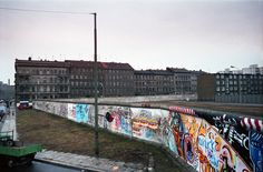 Berlin: Luckauer Strasse with the Berlin Wall where it turned along Sebastianstrasse. 1985.