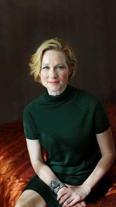 LAURA LINNEY. The best actress on earth!