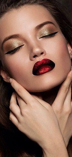 Trendy makeup looks party red lips Ideas Red Eye Makeup, Hair Makeup, Eyelashes Makeup, Long Eyelashes, Makeup Geek, Gold Makeup, Make Up Designs, Christmas Makeup, Holiday Makeup