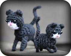 Grietjekarwietje.blogspot.com: juni 2012, #haken, gratis patroon, Nederlands, amigurumi, sleutelhanger, poes, kat, haakpatroon