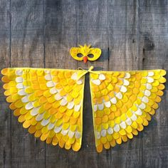 The canary, singing its most beautiful song, is friendly to all those in the forest. A true lover of adventures and birdseed :) Artistically crafted using Eco-Fi felt, a beautiful felt made in the USA of recycled plastic bottles (yay! awesome!) Wings have shoulder elastics (goes on like a backpack) and wrist/thumb elastics at the tips. The space between wings is adjustable to grow with your child. Sewn with care creating a sturdy toy to last for many adventures. This pair of wings incorp...