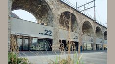 Viadukt: food market, design shops, old furniture...