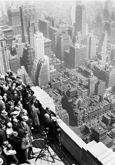 Empire State Building, New York City, May 1931 Old Pictures, Old Photos, Vintage Photos, Empire State Building, Photo New York, Photos Rares, Tableau Design, Vintage New York, Jolie Photo