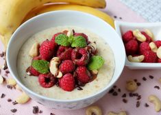 Raspberry overnight oats with almonds is an easy make-ahead breakfast or snack recipe. Easily made tonight for breakfast tomorrow! Vegan Treats, Vegan Desserts, Delicious Desserts, Breakfast Recipes, Snack Recipes, Cooking Recipes, Vegan Breakfast, Diet Recipes, Vegan Recipes