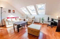 Будапешт - апартаменты с бесплатной парковкой Office Desk, Furniture, Home Decor, Desk Office, Decoration Home, Desk, Room Decor, Home Furnishings, Home Interior Design